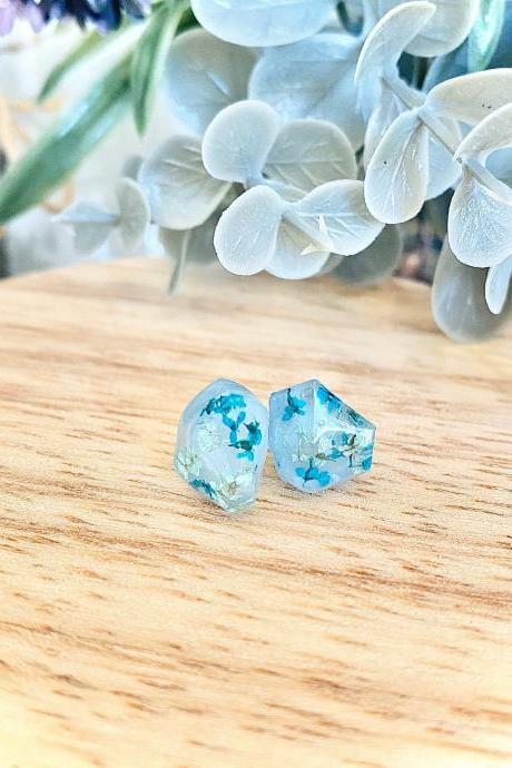 Real pressed dried flowers/ Gemstone shape resin stud earrings