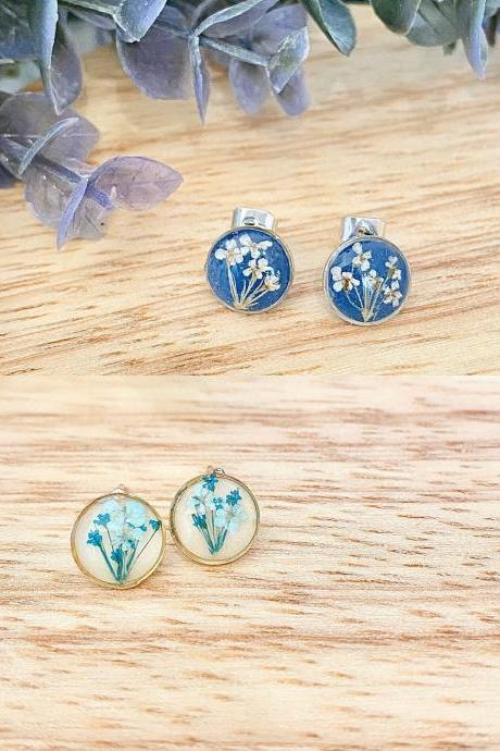 Real pressed dried flowers/ Round resin stud earrings